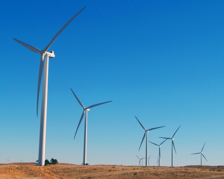 S&P: la reforma energética ha encarecido la instalación de potencia renovable