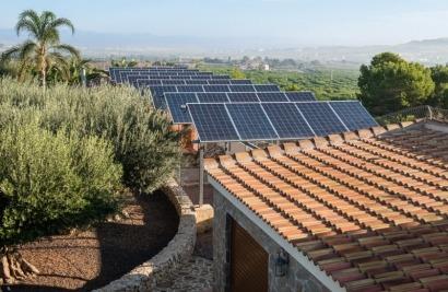 La Comunitat Valenciana impulsará la creación de comunidades energéticas en el marco del plan Municipis en Xarxa