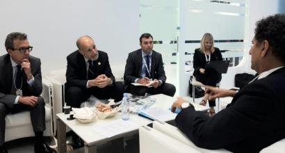 España anuncia la firma de un Memorando de Entendimiento con los Emiratos Árabes Unidos sobre cooperación en energías renovables