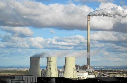 El Ejecutivo interviene ahora el sector eléctrico