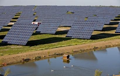 Acciona se adjudica el suministro de electricidad renovable a una fábrica de envases de vidrio en Portugal