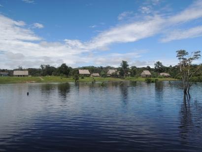 Acciona Microenergía lleva la electricidad a un millar de hogares del Amazonas