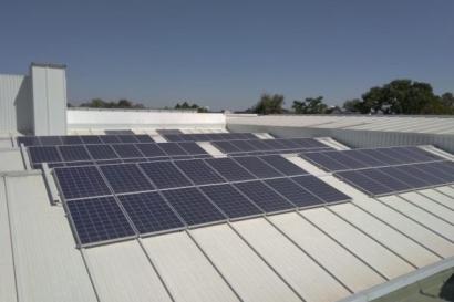 El autoconsumo de energía solar ayuda a los talleres a ahorrar entre el 70 y el 85% en la factura de la luz