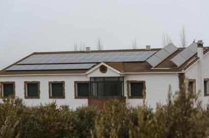 Andalucía repartirá 142 millones de euros en ayudas al autoconsumo renovable