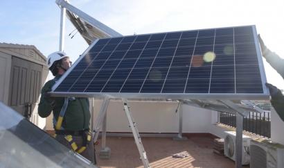"""Andalucía destina otros ocho millones de euros a """"ayudas para impulsar el autoconsumo y la eficiencia energética en pymes"""""""