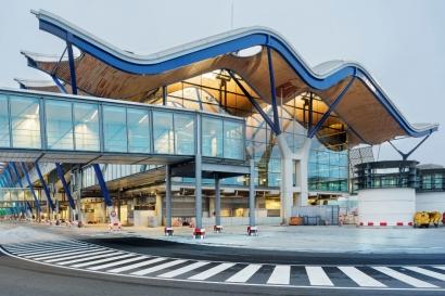 Aena invertirá cien millones de euros en la planta solar del aeropuerto de Barajas