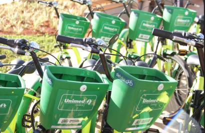 Radiografía de la movilidad urbana compartida en el año del Covid: las bicicletas avanzan y el transporte público resiste