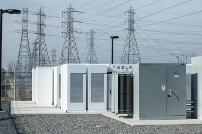 California: Inauguran un complejo de almacenamiento de 20 MW con baterías Powerpack de Tesla, construido en tiempo récord