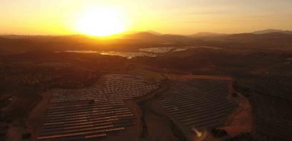 Endesa conecta a la red sus dos primeros campos fotovoltaicos en Málaga