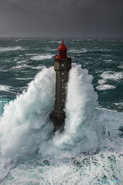 Cantabria ahonda en la I+D de la tecnología de aprovechamiento de la energía de las olas