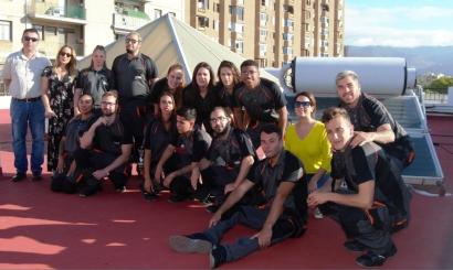 Canarias forma a jovenes en materia de solar térmica con un proyecto que beneficiará a mujeres en situación vulnerable