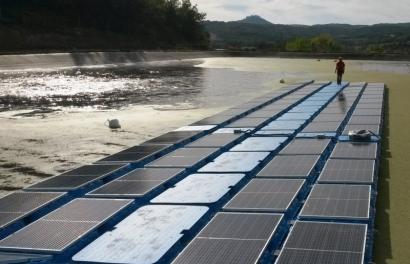 Extremadura subvencionará una instalación solar fotovoltaica flotante sobre una balsa de riego