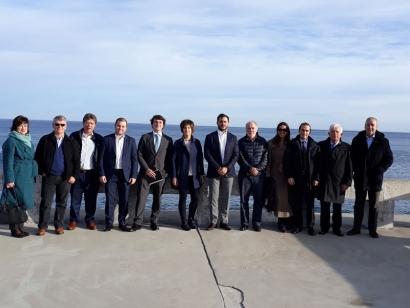 Una delegación institucional de Colombia visita el centro de experimentación de energías marinas de Euskadi