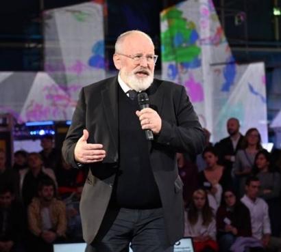 El vicepresidente de la Comisión Europea debate con 250 jóvenes en la Cumbre Mundial del Clima de Madrid
