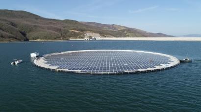 La noruega Statkraft conecta en Albania su primera instalación solar flotante