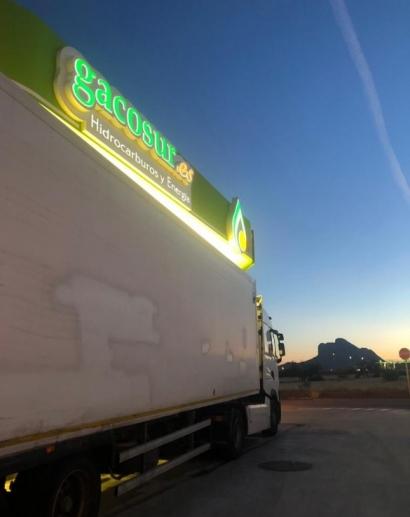 Endesa instala 19 puntos de recarga para vehículos eléctricos en las estaciones de servicio de Gacosur en Andalucía