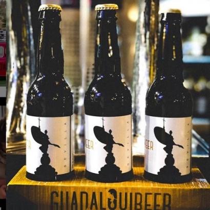 Guadalquibeer, la empresa sevillana que fabrica su cerveza artesana con energía solar fotovoltaica