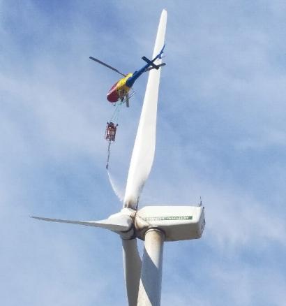 """Helitecnics inicia en España su actividad de """"limpieza de aerogeneradores con helicóptero"""""""
