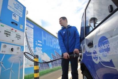 El sector del automóvil pide subvenciones de entre el 80 y el 100% para instalar hidrogeneras