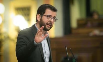 Compromís pide al Gobierno de Sánchez que proteja de los bancos a las familias que invirtieron en huertas solares