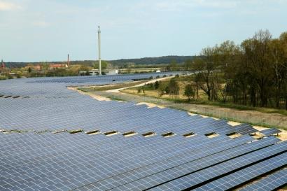 IBC Solar aprieta en la carrera de las baterías de ión-litio