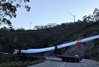 Iberdrola emprende en la montaña asturiana la instalación de los 130 megavatios de potencia eólica que va a repartir en cuatro parques