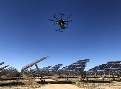 Drones e inteligencia artificial para alargar la vida útil de los parques solares e incrementar su rentabilidad