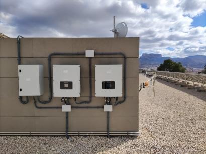 Bet Solar y Ampertec Energy donan dos instalaciones de autoconsumo para Asprodis
