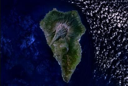 La isla canaria de La Palma proyecta una central hidroeléctrica de bombeo y dos parques solares flotantes