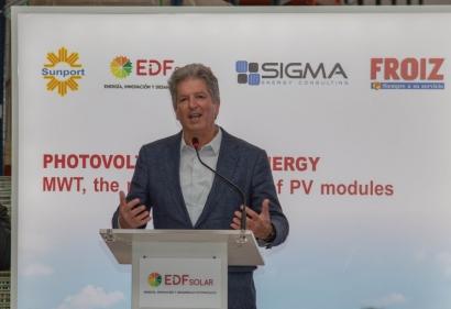 El australiano que le ganó a Tesla el Premio Global de la Energía presenta en Pontevedra sus placas solares de última generación