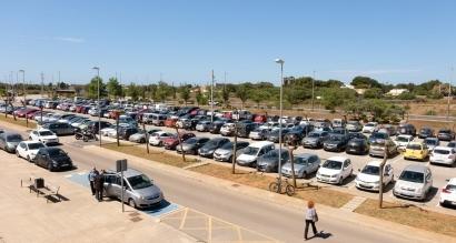 Baleares invertirá casi 2 millones de euros en la cubierta solar del aparcamiento del Hospital Mateu Orfila