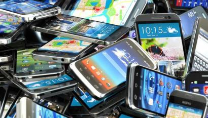 Usar el móvil un año más ayudaría a reducir las emisiones en 4 millones de toneladas anuales