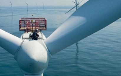 La inversión global en transición energética supera por primera vez el medio billón de dólares