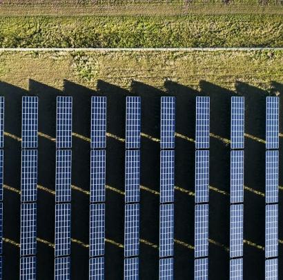 """Drones """"con inteligencia artificial embarcada"""" capaces de detectar anomalías en grandes parques solares"""