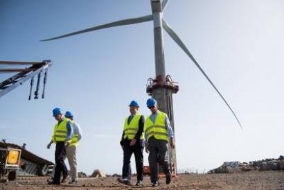 Canarias cimentará a 30 metros de profundidad el primer aerogenerador marino de España