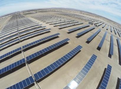 Solarpack consigue 104 millones de dólares para financiar nueve parques solares