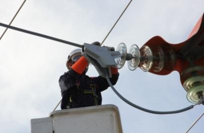 3M desarrolla una solución para evitar la electrocución de aves en tendidos eléctricos de alta tensión