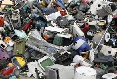 El Gobierno cataloga las pilas y baterías de litio como residuo peligroso