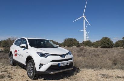 EDP Renováveis apuesta por los vehículos todoterreno híbridos de Toyota para acceder a sus parques eólicos