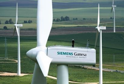 Siemens Gamesa prepara incentivos millonarios para sus directivos mientras planea el despido de centenares de trabajadores