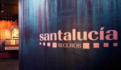 Santalucía adjudica el 100% de su demanda a la eléctrica que más gases de efecto invernadero emite en España