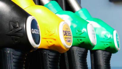 Francia dejará de vender coches de gasóleo y gasolina en 2040