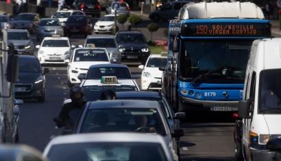 Podemos pide al Gobierno que exija más transparencia en el control de las emisiones de los vehículos