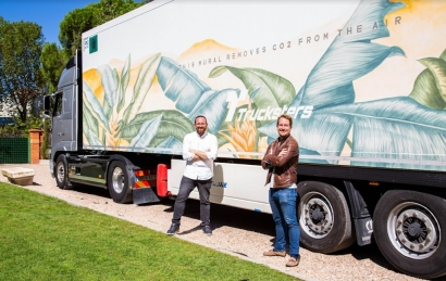 El camión español cuya pintura fotovoltaica absorbe CO2