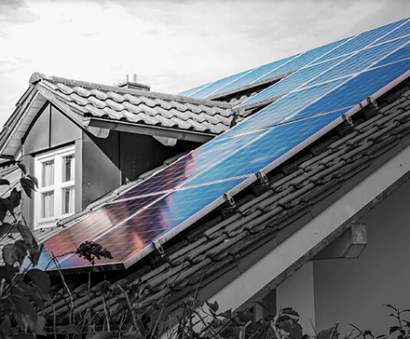 Holaluz quiere llenar los tejados de España de energía sostenible