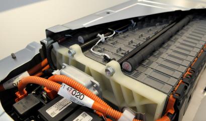 Toyota reciclará las baterías de híbridos y eléctricos para almacenar energía renovable