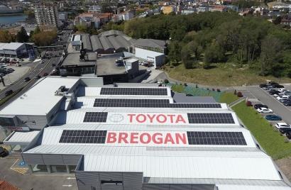 Voltfer pone en marcha un autoconsumo solar de más de cien kilovatios en la coruñesa Breogán Concesionarios