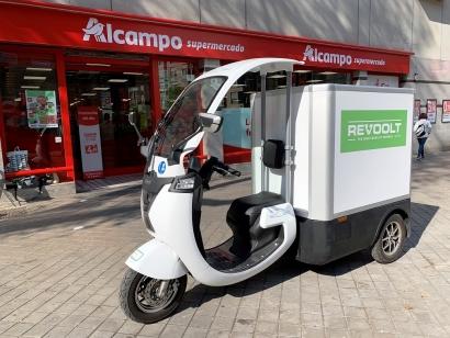 """Los triciclos eléctricos de Revoolt quieren """"revolucionar el reparto de alimentos a domicilio"""""""