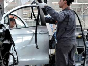 El Gobierno anuncia una inyección de 3.750 millones de euros para el sector del automóvil
