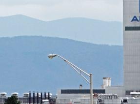 El elevado precio de la electricidad, uno de los argumentos que esgrime Alcoa para justificar 700 despidos